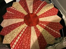 """quilted table centerpieces 20"""" Red Cream"""