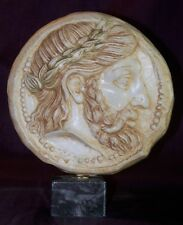 Reproduction Pièce Grecque Antique Biface en Pierre sur marbre 18 cm