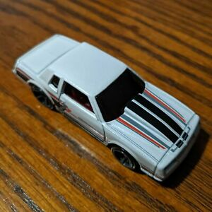 '86 Monte Carlo SS (Pearl White) - Muscle Mania - Hot Wheels Basic Loose (2020)