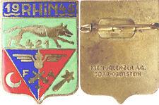 421° R.A.F.T.A, émail, dos lisse, épingle à boléro, rouge vif, Klein & Q (7454)