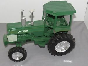 Vintage OLIVER Spirit of MFWD Toy Tractor White 1:16 W. Brooklyn Illinois 1988