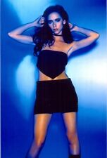 JENNIFER LOVE HEWITT - IN A NIGHT CLUB OUTFIT - MINI SKIRT AND SMALL TOP !!!!