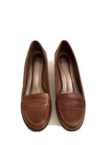 Florsheim Women's Brown Leather Heeled Loafers Size 40 Work Career Corporate