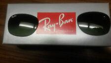 """Ray Ban """"New Wayfarer"""" RB 2132 Gray Gradiant Lenses 52 mm."""