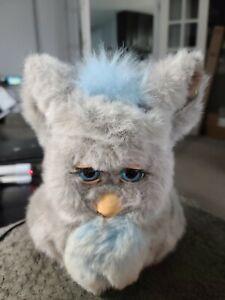 Furby 2005 emoto tronic model 59294 SLEEPY BLUE grey fur blue eyes HASBRO READ