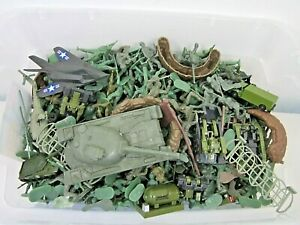 HUGE LOT OF CONTEMPORARY MILITARY ARMY MEN TOYS SOLDIERS & VEHICLES