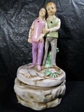 Young Couple In Love  Music Box  -  Japan