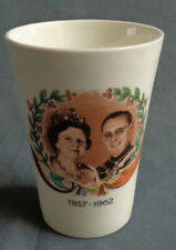P. REGOUT SPHINX JULIANA BERNHARD beker H10xO8cm 25 JAAR HUWELIJK 1937-1962 mug