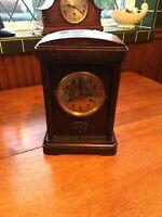 Mantle Clock:Vintage Decorative Oak Cased C1930/40's Mantle Clock To Restore!