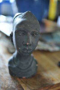 VINTAGE AFRICAN PAINTED BLACK TERRACOTTA / STONE CARVED WOMANS HEAD BUST SIGNED
