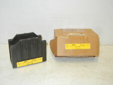 BUSSMANN / BUSS 16372-1 NEW POWER DISTRIBUTION BLOCK 163721