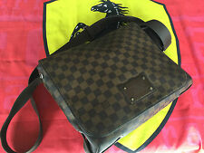 Vuitton Man Bag Messanger Brooklyn PM (13.4″ x 10.6″ x 3.5″) USED DEMAGES