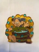 DISNEY SNOW WHITE DOPEY BATH TIME FUN STAINED GLASS PIN
