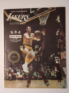1969-70 Lakers Illustrated NBA Finals Official Championship Program Knicks 1970