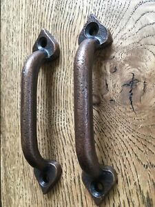 TWO BEAUTIFUL SMALL ARTS AND CRAFTS STYLE CAST IRON DOOR HANDLES DRAWER PULL ACC