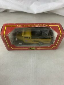 Corgi Cameo The Village Collection Die Cast Truck Amoco Ultimate 1993  UK