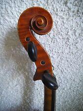 Sottili vecchio violino con lo stampato ORIGINALE