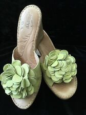 "Born Handcrafted Footwear Women's 9M Green Sandel Slip On 3.75"" Wedge Heel (c31)"