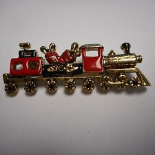 VINTAGE TRAIN PIN / BROOCH GOLD TONE AND ENAMEL VERY NICE