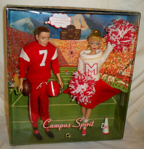 Campus Spirit Barbie Doll and Ken Doll Giftset NRFB Mattel 2008 Set