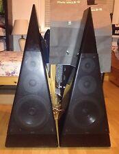 Master Music Preference High End Lautsprecher Pyramide Audio Klavierlack