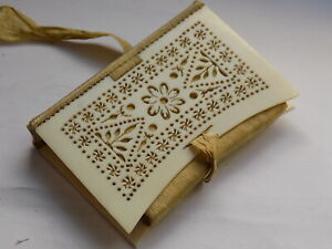 SEWING COLLECTABLES LOVELY ANTIQUE FRETWORK CARVED SILK LINED NEEDLE CASE BOOK