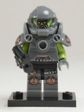 LEGO Collectible Minifigure #71000 Series 9 ALIEN AVENGER Complete - New