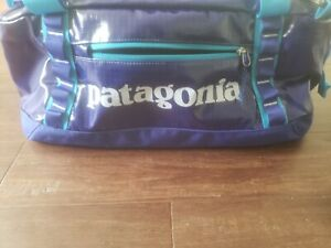NEW! PATAGONIA Black Hole Duffel Bag 40 L, Purple and Blue