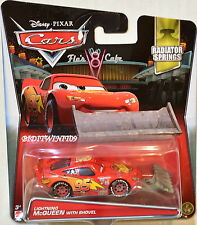 DISNEY PIXAR CARS 2017 RADIATOR SPRINGS LIGHTNING MCQUEEN WITH SHOVEL