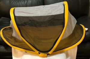 KidCo Baby Pea Pod Infant/Child Screened in Travel Bed/Tent Gray / Yellow