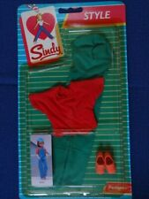 Vintage Pedigree Sindy Boxed  Style 1984 Girl Friday Dungarees  Outfit  NEW NRFP