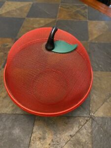 Metal Mesh Fruit Basket with Cover