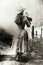 Amazing Annie Oakley Mirror Shot PHOTO Buffalo Bill Wild West Show Sharpshooter