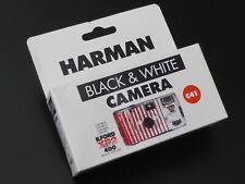 ILFORD XP2 Super Einwegkamera schwarz/weiß ISO 400 Kamera black & white