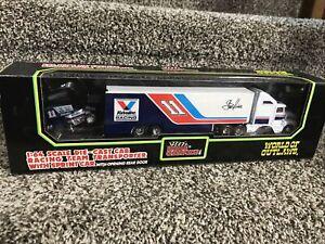 Racing Champions World of Outlaws #11 Steve Kinser Transporter W/Sprint Car RARE