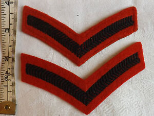 A Military Pair Of Red Lance-corporal Chevrons / Strips Cloth Rank Badges (2109)