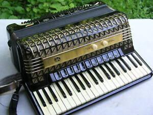 älteres schwarzes Akkordeon Hohner Atlantic 4 de Luxe zum Herrichten