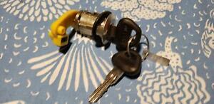 Vintage New Door Lock W/ Keys For Nissan XE Van 1986-89