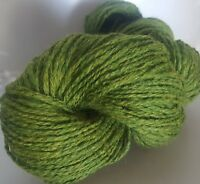 430g OF GREEN TWEED 100% PURE KNITTING WOOL (5 SKEINS)