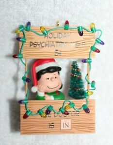 HALLMARK'S HOLIDAY PSYCHIATRIC HELP 5 CENT ORNAMENT-LUCY-PEANUTS GANG-2003