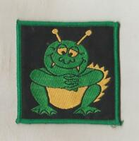 HUMOUR  WOVEN  SEW ON CLOTH PATCHES/BADGES  SO83  CHECKY FROG SIZE 7.5cm x 7.5cm