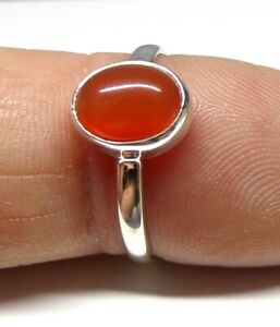 Handmade 925 Sterling Silver 9 x 7mm Oval Carnelian Stone Ring Size J to U