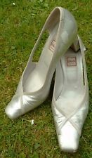 Renata silver leather patterned high heeled court shoes size 6.5?  (C32)