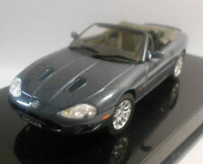Véhicules miniatures AUTOart pour Jaguar