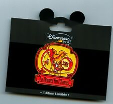 Disney Paris Disneyland Chinese New Year Mulan Mushu Dragon LE Pin & Card