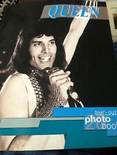 Tear Out Photo Book Queen book Uk Freddie Mercury 20 Photos and text 1993