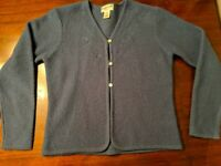 Pendelton Womens Blue 3 Button Small tall  100% virgin wool sweater design