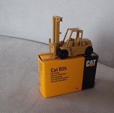 NZG Gabelstapler Cat B25 Caterpillar mit Org.-karton
