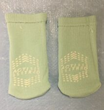 Medical Action 99942 Acti Tred Toddler Patient Slippers 2 Sided Tread Lot Of 2