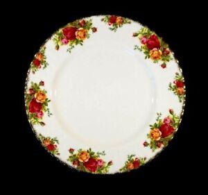 Beautiful Royal Albert Old Country Roses Dinner Plate